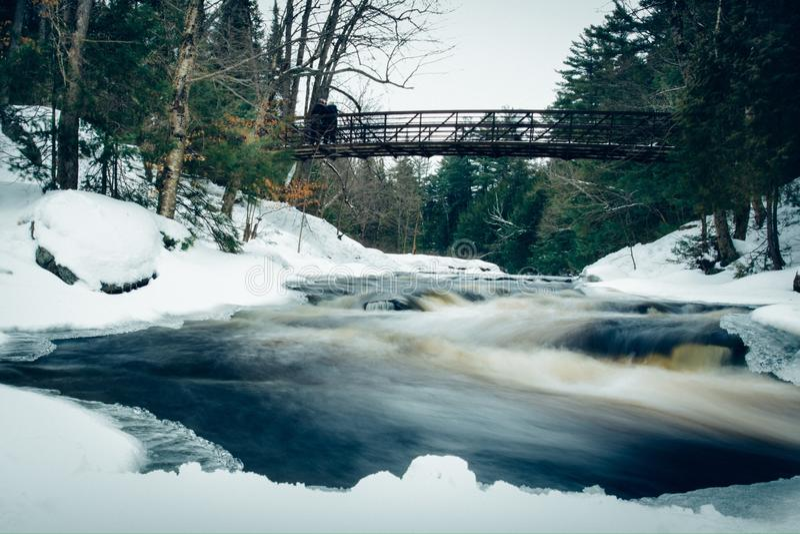 Siklawa w zimie fotografia royalty free