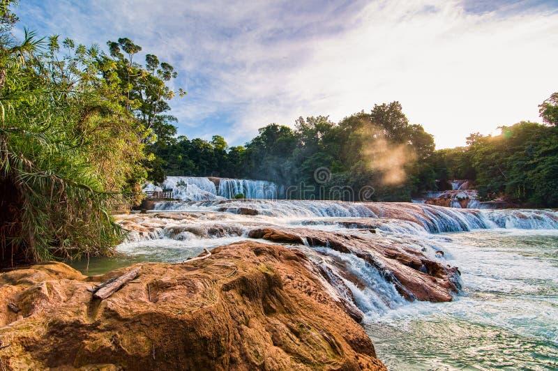 Siklawy kaskada Agua Azul w Chiapas, Meksyk, półwysep jukatan obraz royalty free