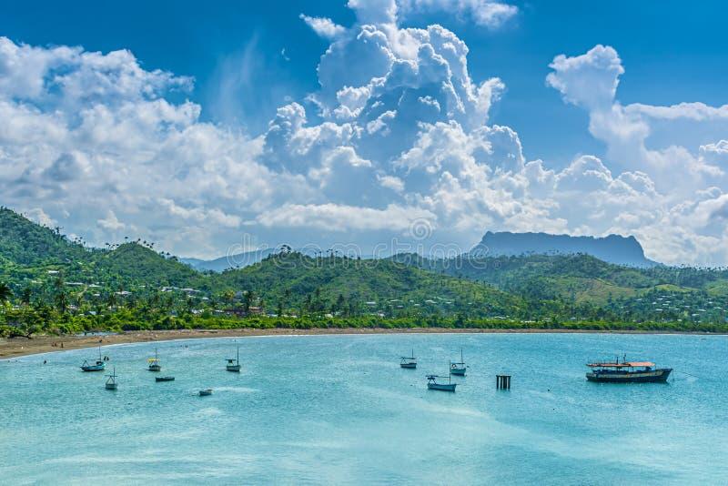 Sikt över den Baracoa fjärden royaltyfri bild