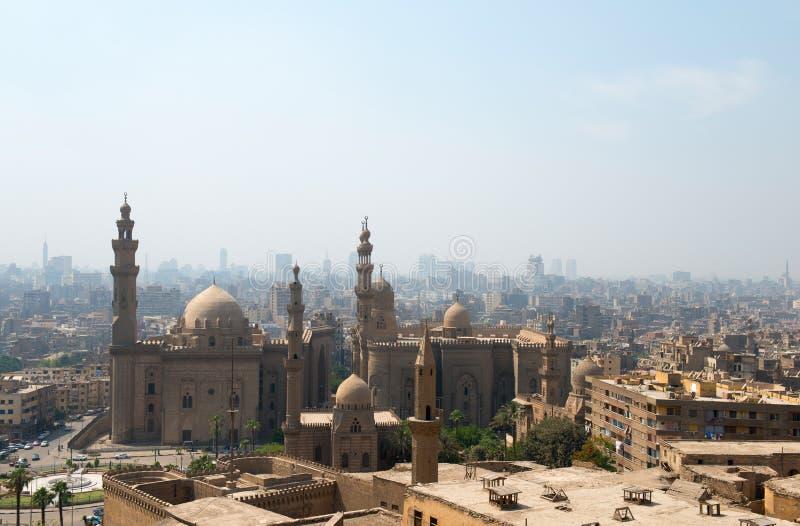 Sikt över Kairostad med moskéer fotografering för bildbyråer