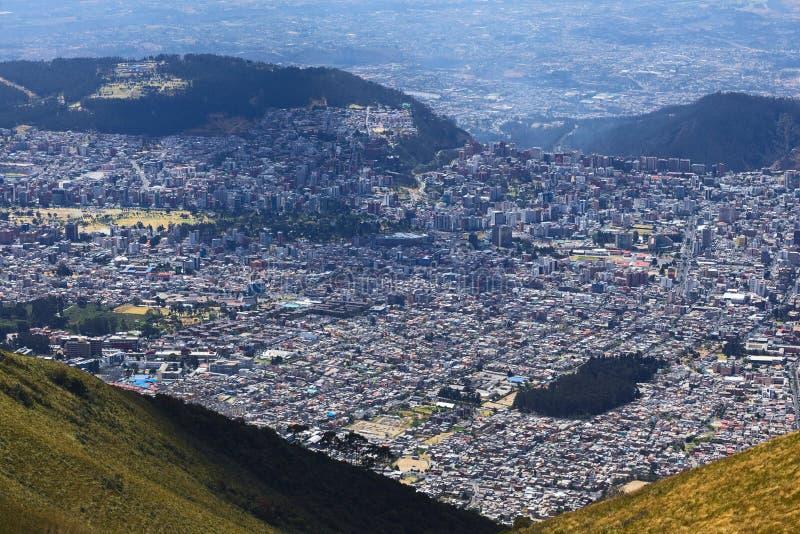 Sikt över Quito, Ecuador royaltyfri foto