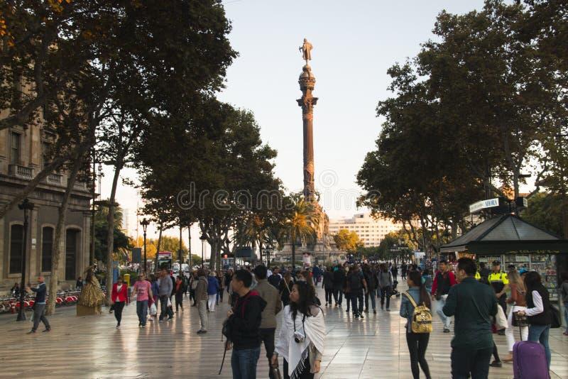 Sikt över Ramblasen i Barcelona, Spanien fotografering för bildbyråer