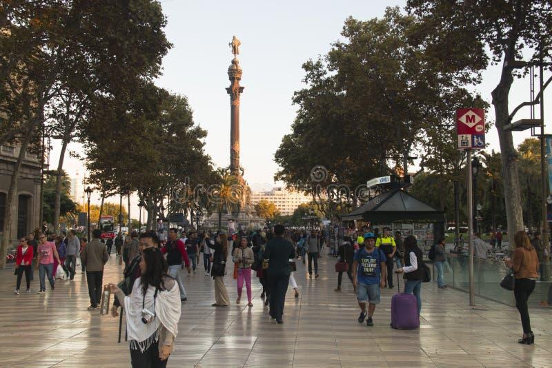 Sikt över Ramblasen i Barcelona, Spanien royaltyfri fotografi