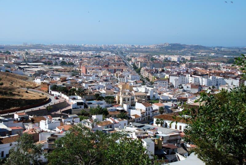 Sikt över rooftops, Velez Malaga, Spanien. royaltyfri foto