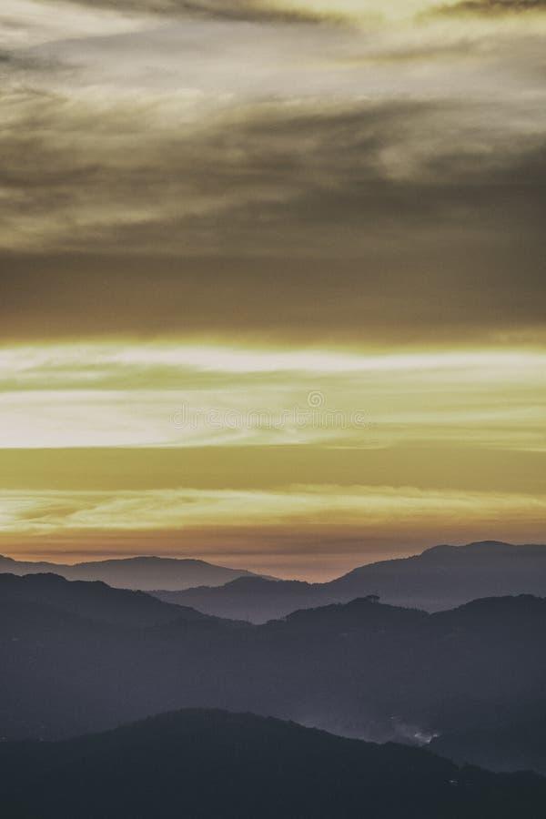 Sikt över San José, Costa Rica på soluppgång fotografering för bildbyråer
