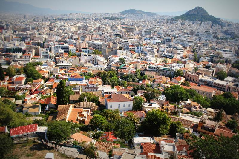 Sikt över staden och den Lycabettus kullen från akropolen i Aten, Grekland athens panorama härlig cityscape arkivfoton