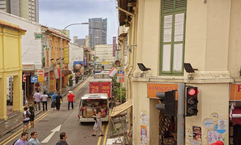 Sikt av övreDickson Rd På de gatagångarna och bilarna arkivbild