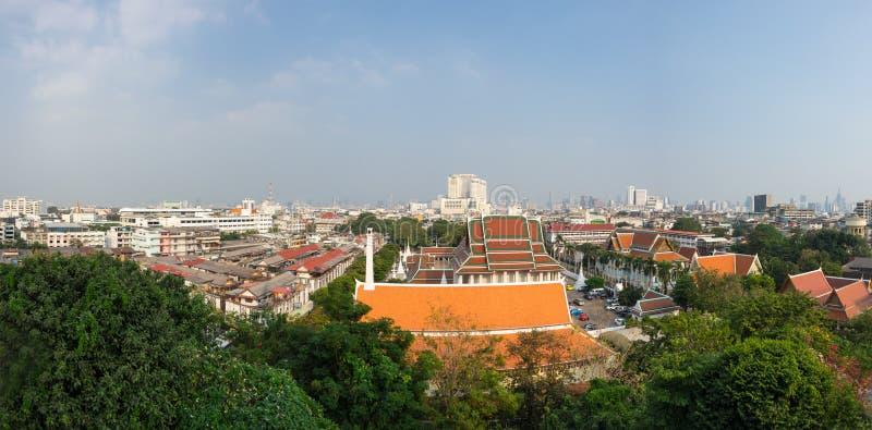 Sikt av Bangkok och Wat Saket arkivfoton
