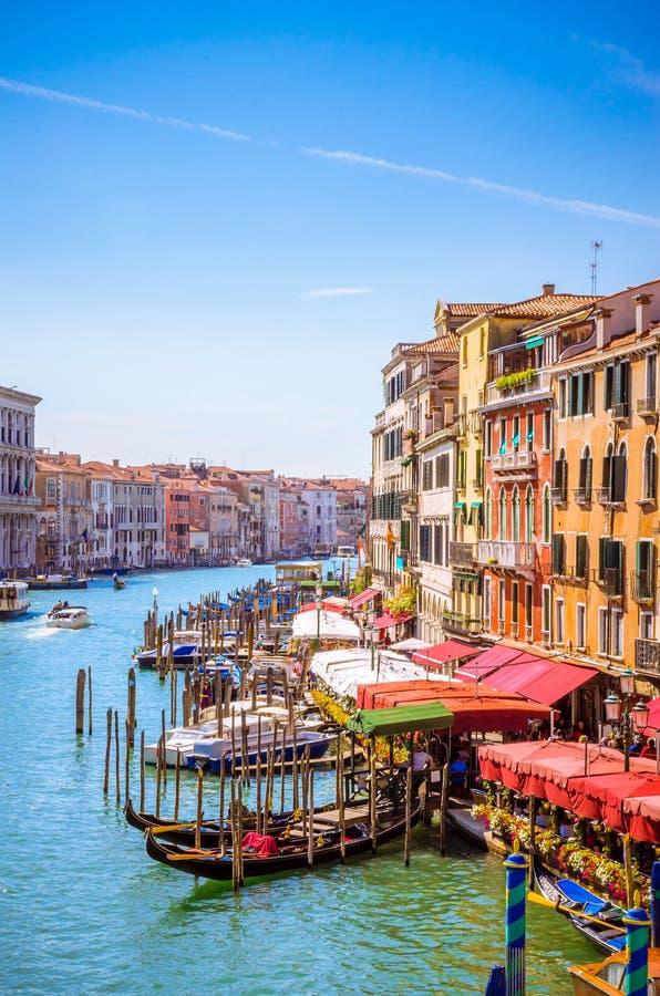 Sikt av berömda Grand Canal i Venedig, Italien royaltyfri bild