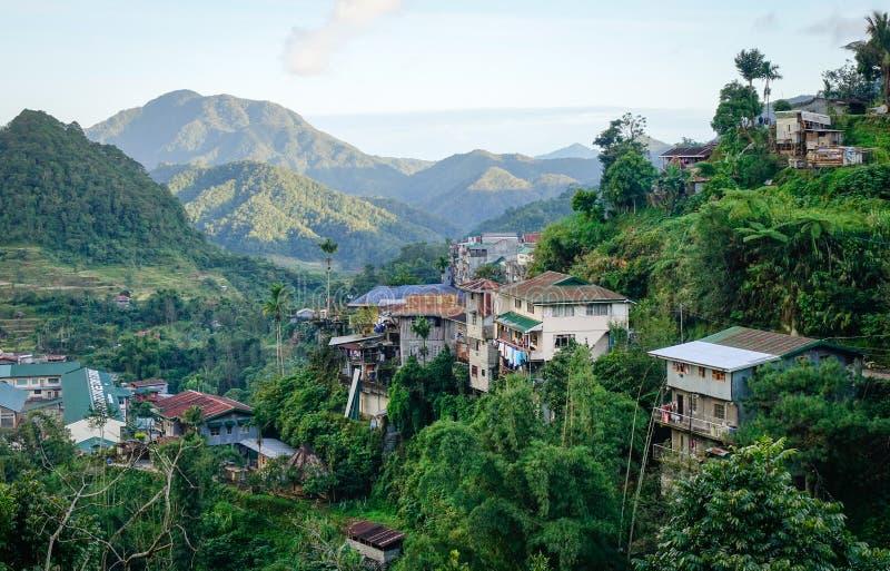 Sikt av bergbyn i Ifugao, Filippinerna royaltyfri fotografi