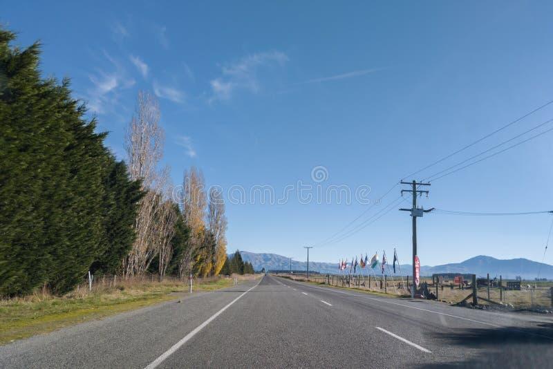 Sikt av bergskedja för sydliga fjällängar från vägen, Nya Zeeland arkivfoto