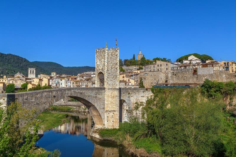 Sikt av Besalu, Spanien royaltyfri fotografi