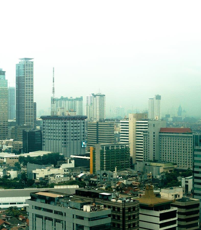 Sikt av byggnader i Jakarta Pusat, Indonesien royaltyfri bild