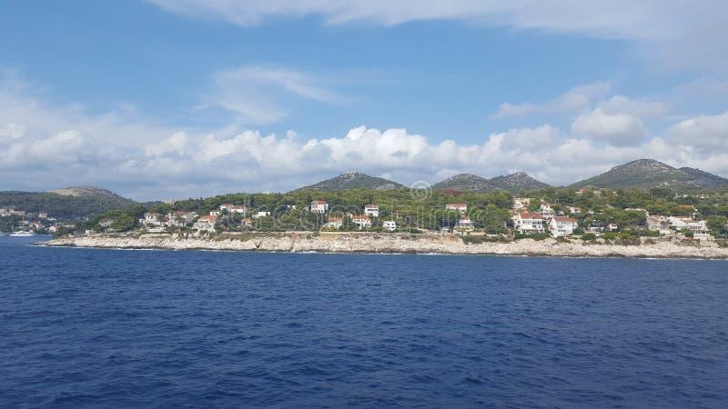 Sikt av byn Dalmatia arkivfoto