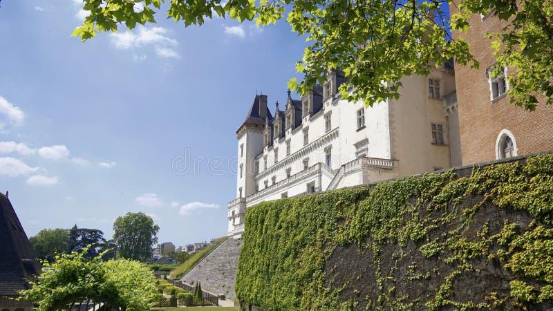Sikt av castel av den Henry 4 konungen av Frankrike i den Pau staden royaltyfri foto