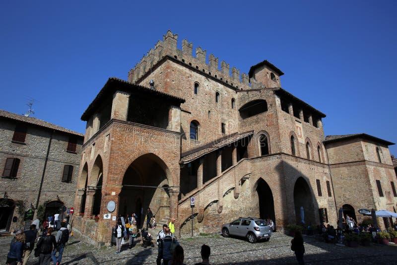 Sikt av castell'arquatoen royaltyfria bilder