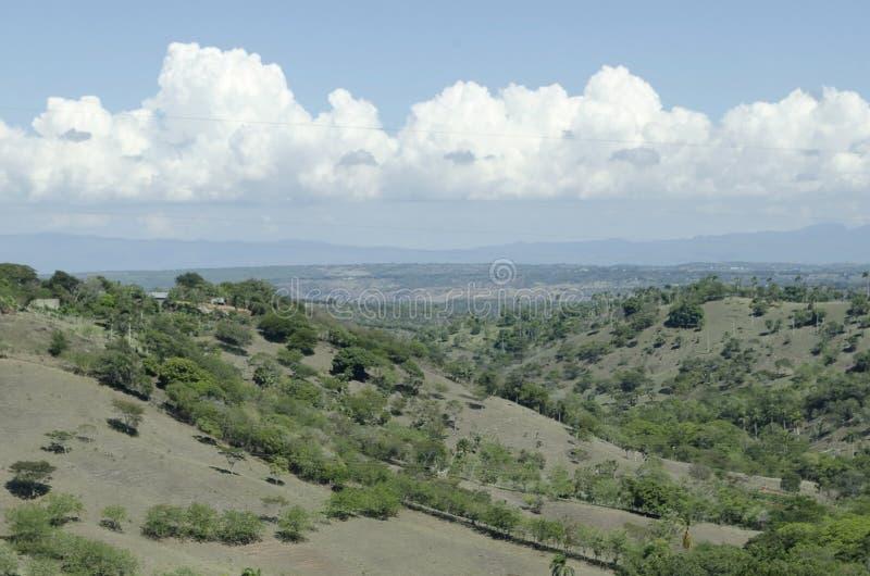 Sikt av dalen av staden av Santiago de los Caballeros arkivbild