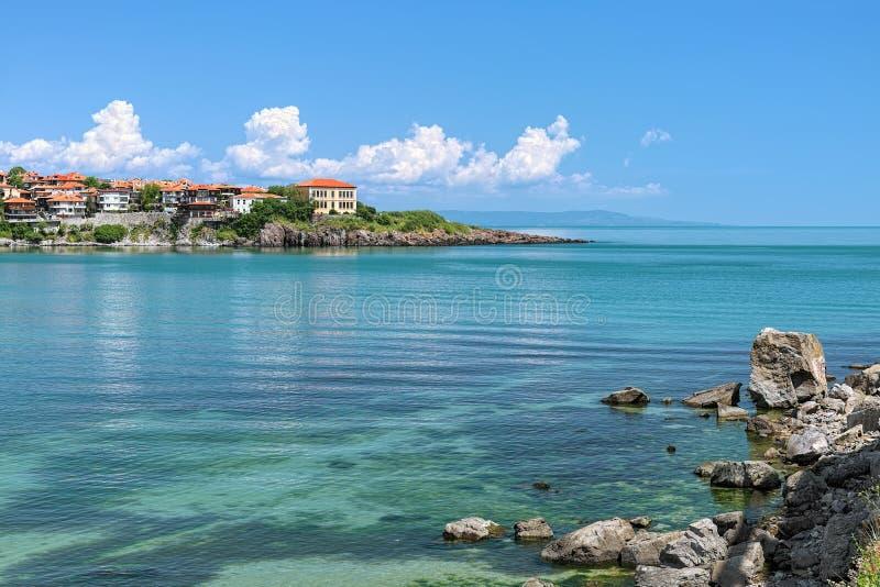 Sikt av den östliga udden av Sozopol den gamla staden, Bulgarien arkivfoton