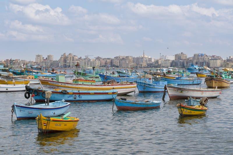 Sikt av den Alexandria hamnen, Egypten arkivbild