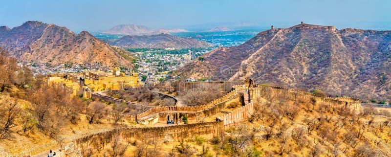 Sikt av den Amer staden med fortet En viktig turist- dragning i Jaipur - Rajasthan, Indien arkivfoto