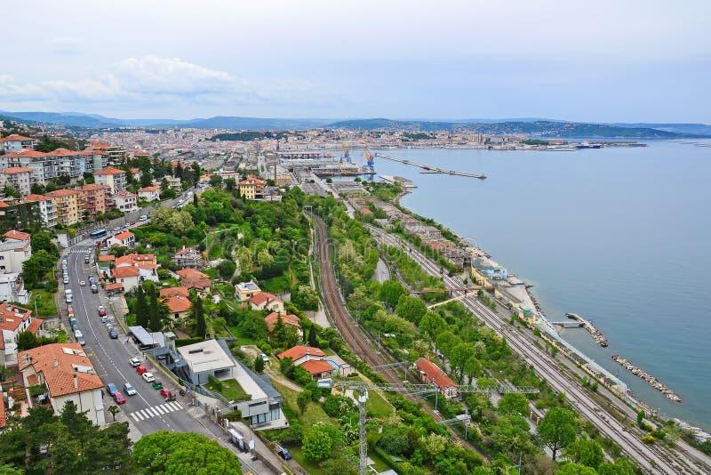 Sikt av den Ankaran staden, Slovenien royaltyfria foton