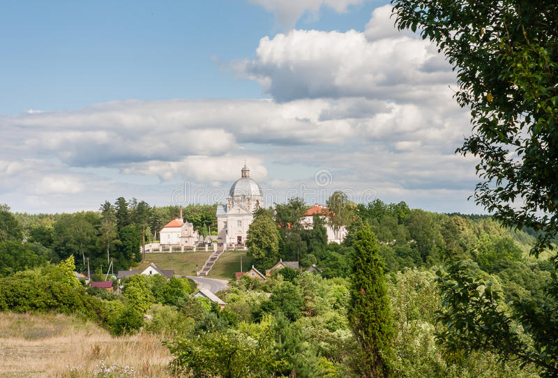 Sikt av den arkitektoniska helheten av århundradet XVIII Liskiava lithuania fotografering för bildbyråer
