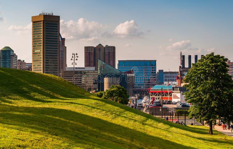Sikt av den Baltimore horisonten från den federala kullen fotografering för bildbyråer