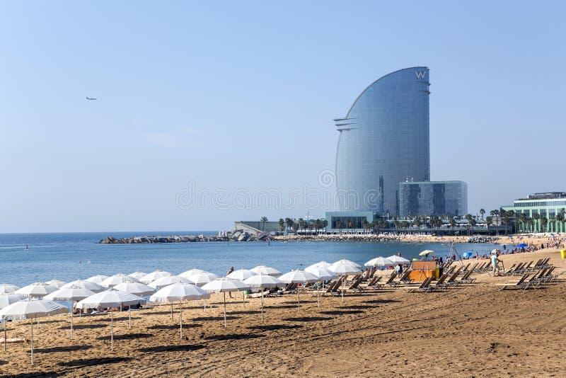 Sikt av den Barcelonetta stranden arkivbild