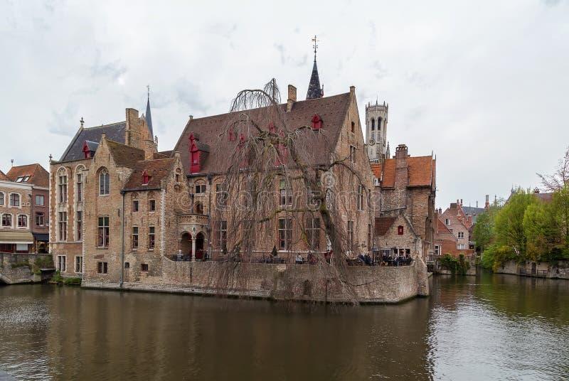 Sikt av den Bruges kanalen, Belgien royaltyfria bilder