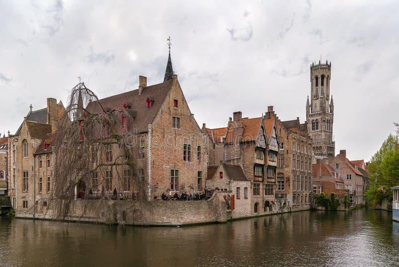 Sikt av den Bruges kanalen, Belgien royaltyfri fotografi
