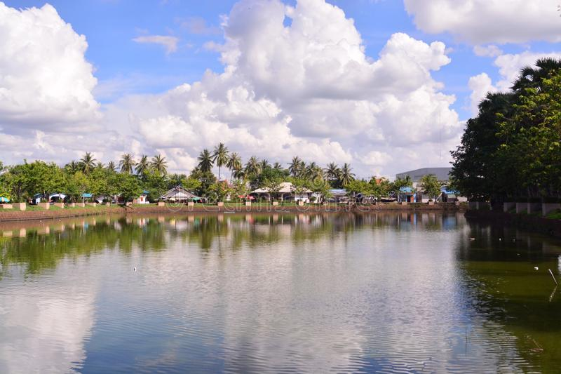 Sikt av den Buriram staden arkivfoton