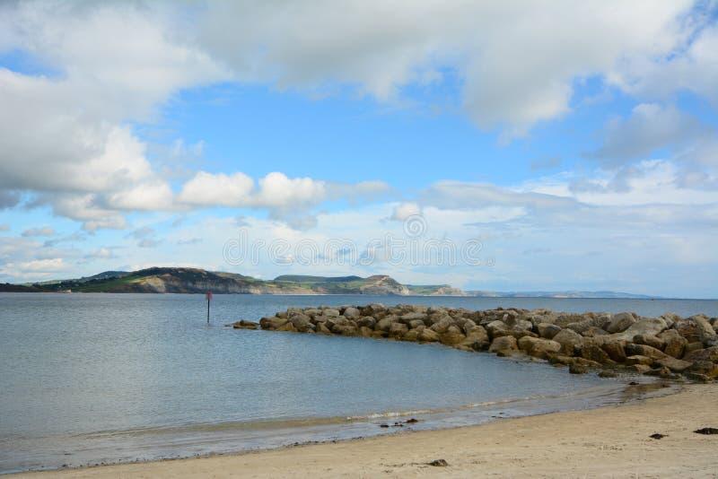 Sikt av den engelska kusten. arkivfoton