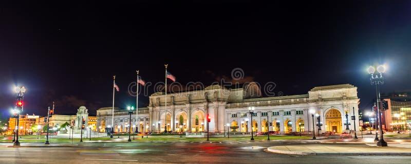 Sikt av den fackliga stationen i Washington DC på natten royaltyfria foton