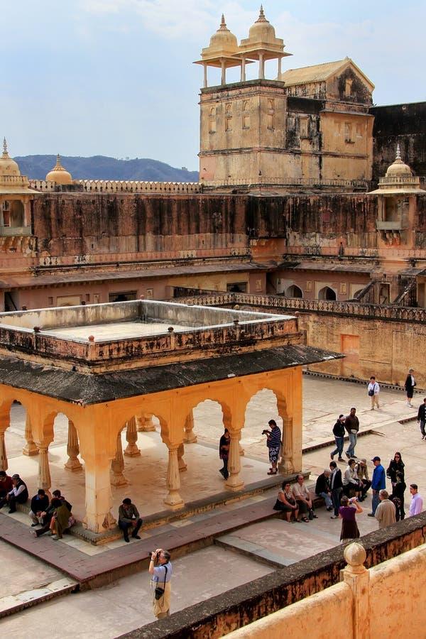 Sikt av den fjärde borggården i Amber Fort nära Jaipur, Rajastha arkivbild