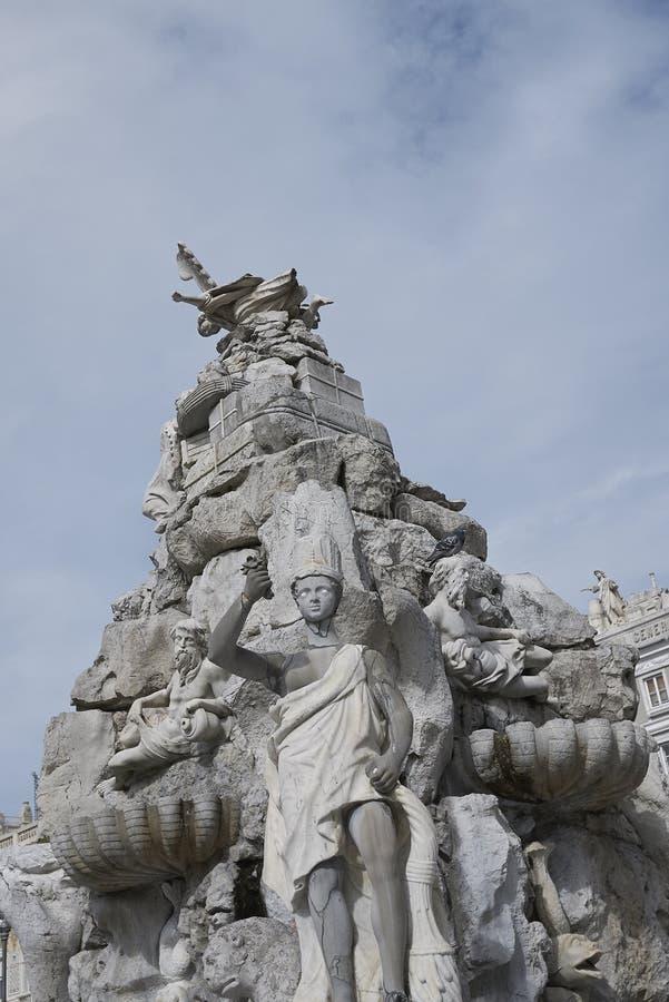 Sikt av den Fontana deien Quattro Continenti fotografering för bildbyråer