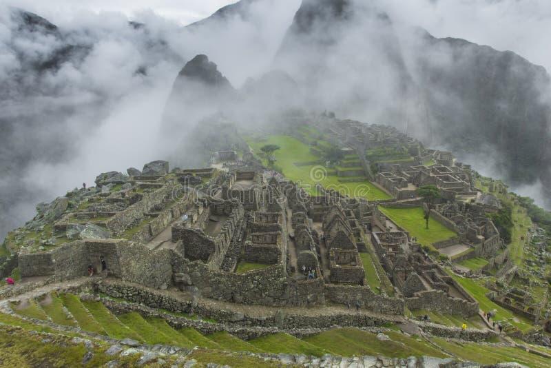 Sikt av den forntida Inca City av Machu Picchu Århundradet för th 15 fotografering för bildbyråer