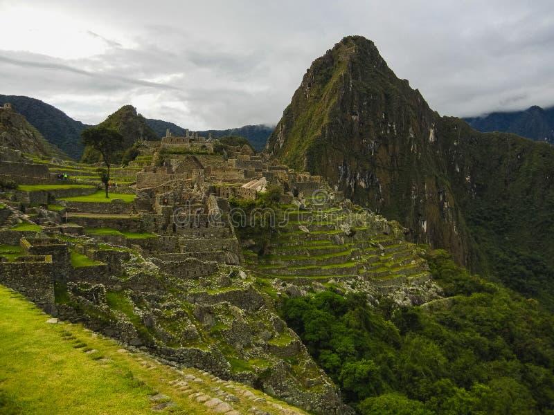 Sikt av den forntida Inca City av Machu Picchu royaltyfri foto