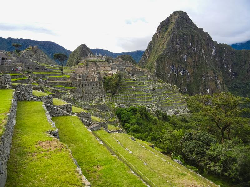 Sikt av den forntida Inca City av Machu Picchu royaltyfri bild
