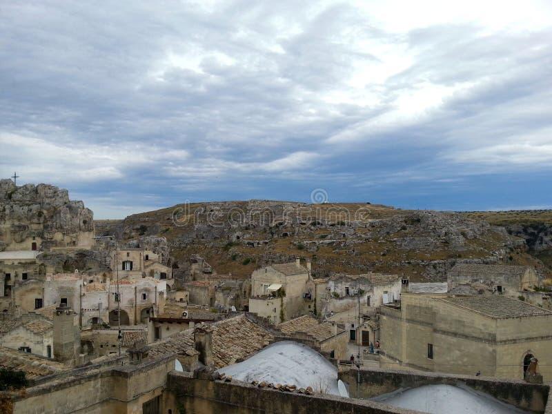 Sikt av den forntida staden av Matera, Basilicata, Italien royaltyfria foton
