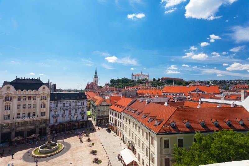 Sikt av den gamla slotten i Bratislava arkivfoton