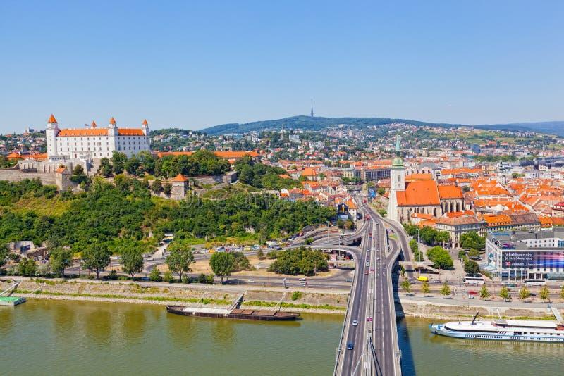 Sikt av den gamla slotten i Bratislava, Slovakien royaltyfri foto