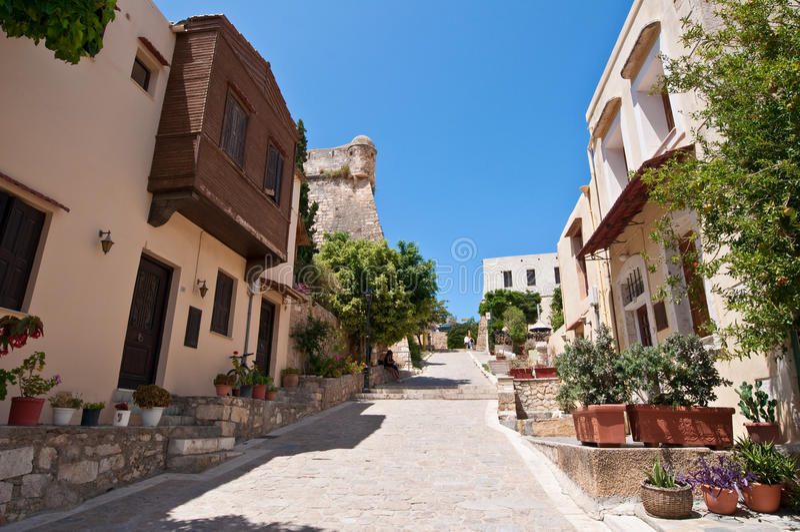 Sikt av den gamla staden i den Rethymno staden crete greece royaltyfri fotografi