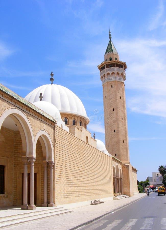 Sikt av den Hanafi moskén av Bourguiba i Monastir, Tunisien, Nordafrika royaltyfri bild
