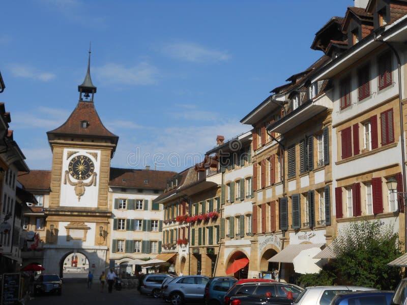 Sikt av den historiska mitten av Murten, Schweiz royaltyfri fotografi