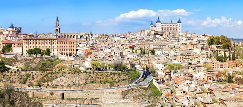 Sikt av den historiska staden av Toledo, Spanien royaltyfri foto