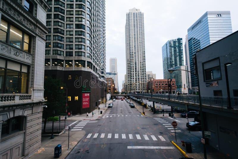 Sikt av den Hubbard gatan i flodnord, Chicago, Illinois arkivfoto