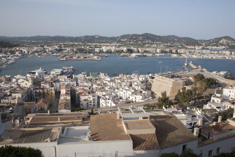 Sikt av den Ibiza hamnen arkivbild