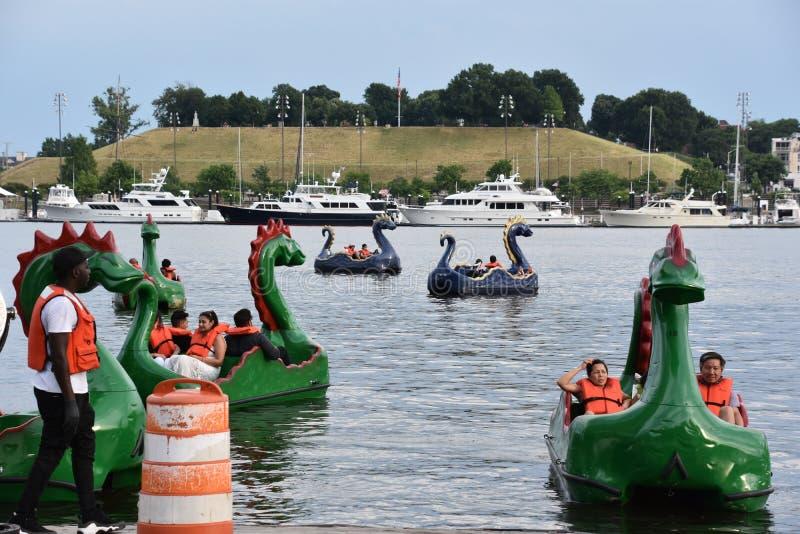 Sikt av den inre hamnen i Baltimore, Maryland royaltyfria bilder