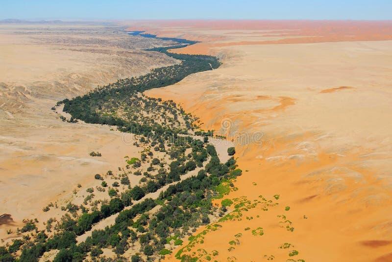 Sikt av den Kuseb flodNamib öknen, Naukluft medborgare P arkivbilder