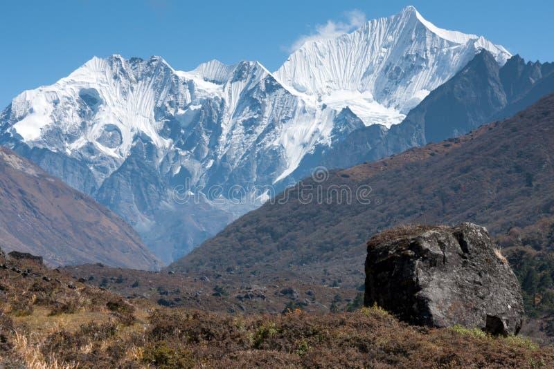Sikt av den Langtang dalen, Langtang nationalpark, Rasuwa Dsitrict, Nepal arkivbild